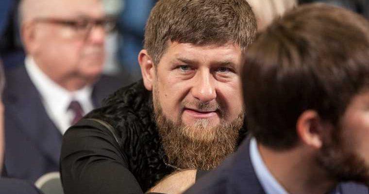 Кадыров выложил фото с оружием в ответ на санкции сша