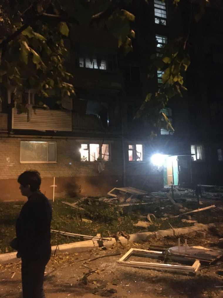 В Тюмени в пятиэтажке взорвался газ. Есть пострадавшие. ФОТО, ВИДЕО