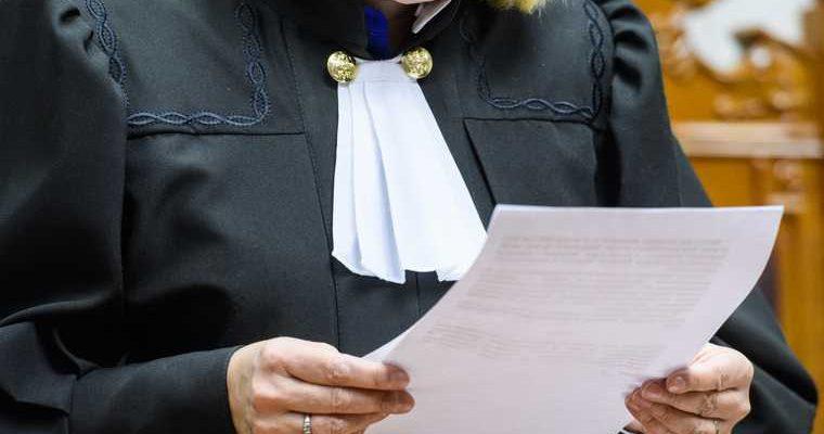 Хотин бывший владелец банка Югра домашний арест освободил