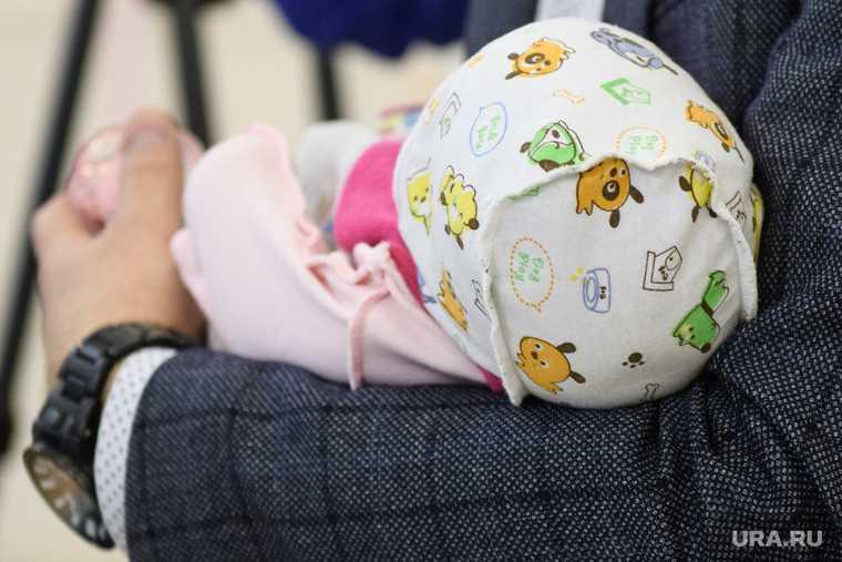 Свердловская область морила голодом девочка из шкафа Карпинск Екатеринбург