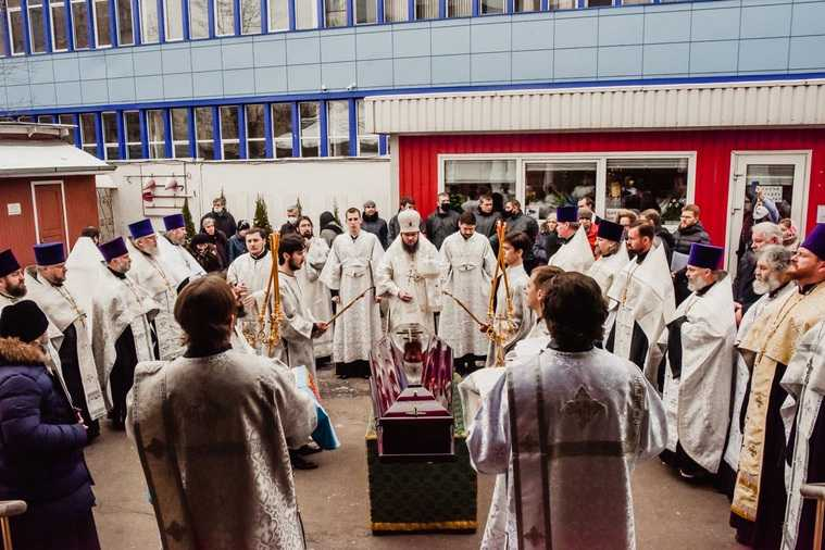 Умершего от COVID челябинского экс-митрополита увезли за границу. Фото