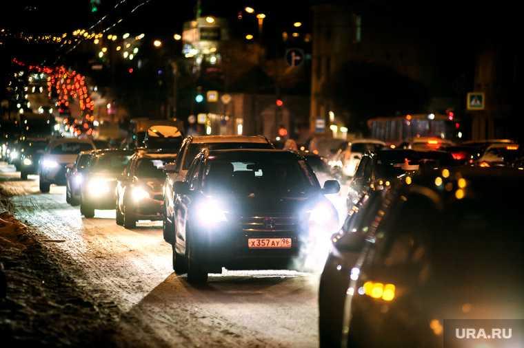 Екатеринбург пробки снег уборка подробности